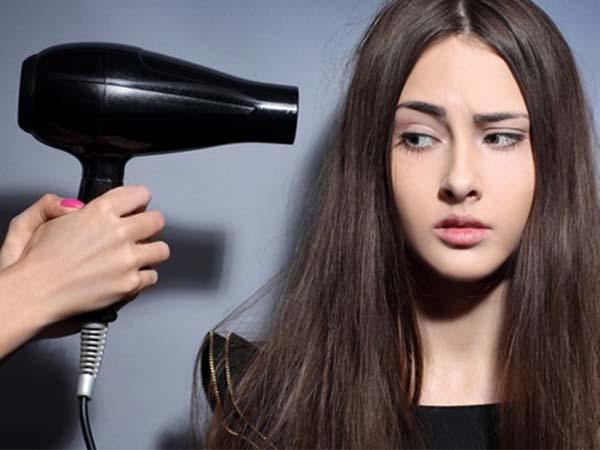 sửa máy sấy tóc không chạy