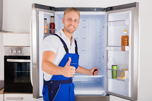 Lắp đặt tủ lạnh ở nơi ít bụi, khô ráo, thông thoáng đặc biệt là ở phía sau