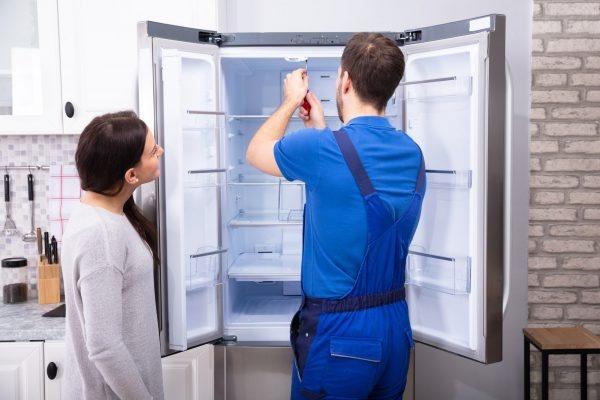 thợ sửa chữa tủ lạnh